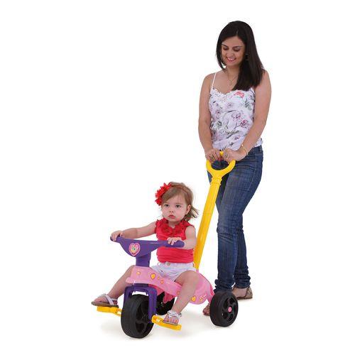 07493-Triciclo-infantil-Fofinha-com-Empurrador-Com-Crianca-e-Mae-xalingo
